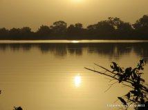 Le soleil se couche sur la mare Yanoungali.