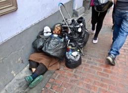 Pendant ce temps, dans les rues de Lima...